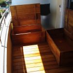 Instalación de suelo de madera en balcón